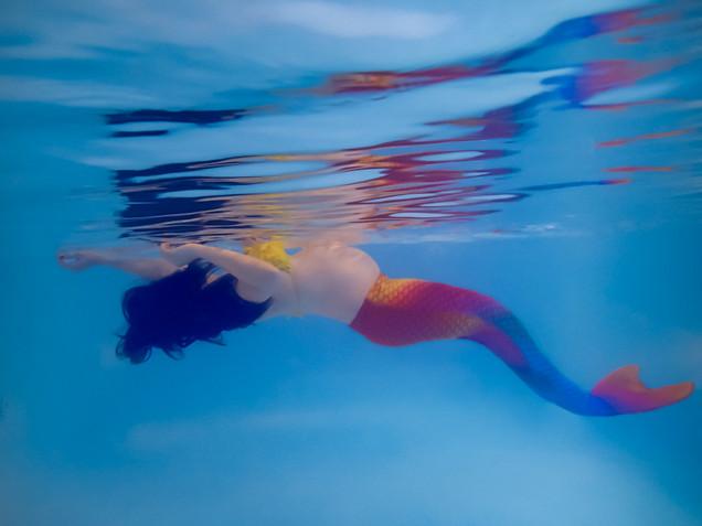 Cami maternity underwater mermaid web-6.