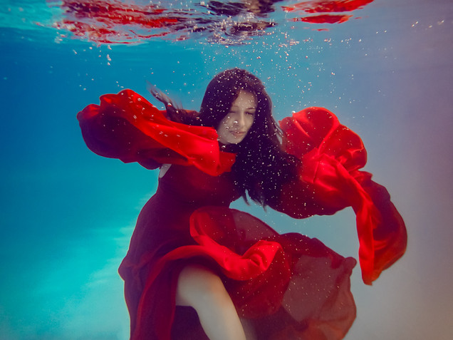 Cami maternity underwater red web-8.jpg