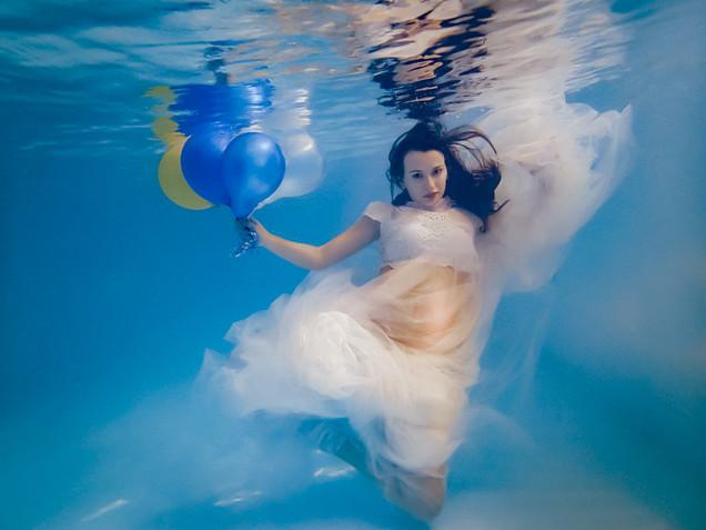 Cami maternity underwater white web-9.jp