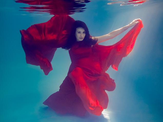 Cami maternity underwater red web-4.jpg