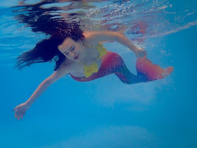 Cami maternity underwater mermaid web-5.