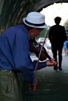 Street performer, Budapest