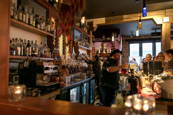 Handcrafter Bar & Cocktails