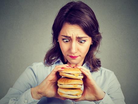 Decifrando seus desejos de comer em 3 passos