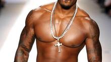 Tyson Beckford, son striptease sous le signe du chocolat