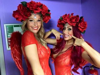 Nos stripteaseuses Laurence et Maeva vous souhaite une bonne Saint-Valentin