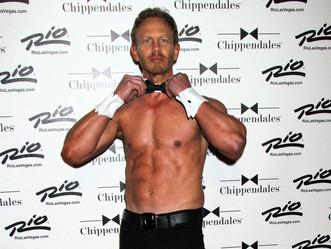 Steve Sanders stripteaseur !