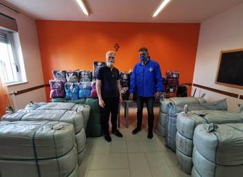 06.07.2020 - Delegazione di Napoli e Campania dona più di 5.000 indumenti nuovi a persone bisognose