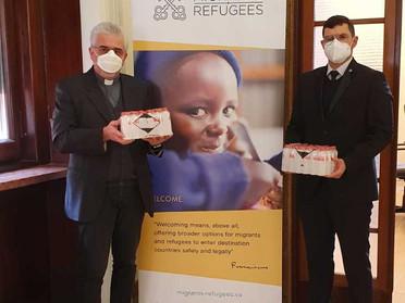 25.01.2021 - Dono di flaconi igienizzanti da parte della Delegazione di Roma e Vaticano
