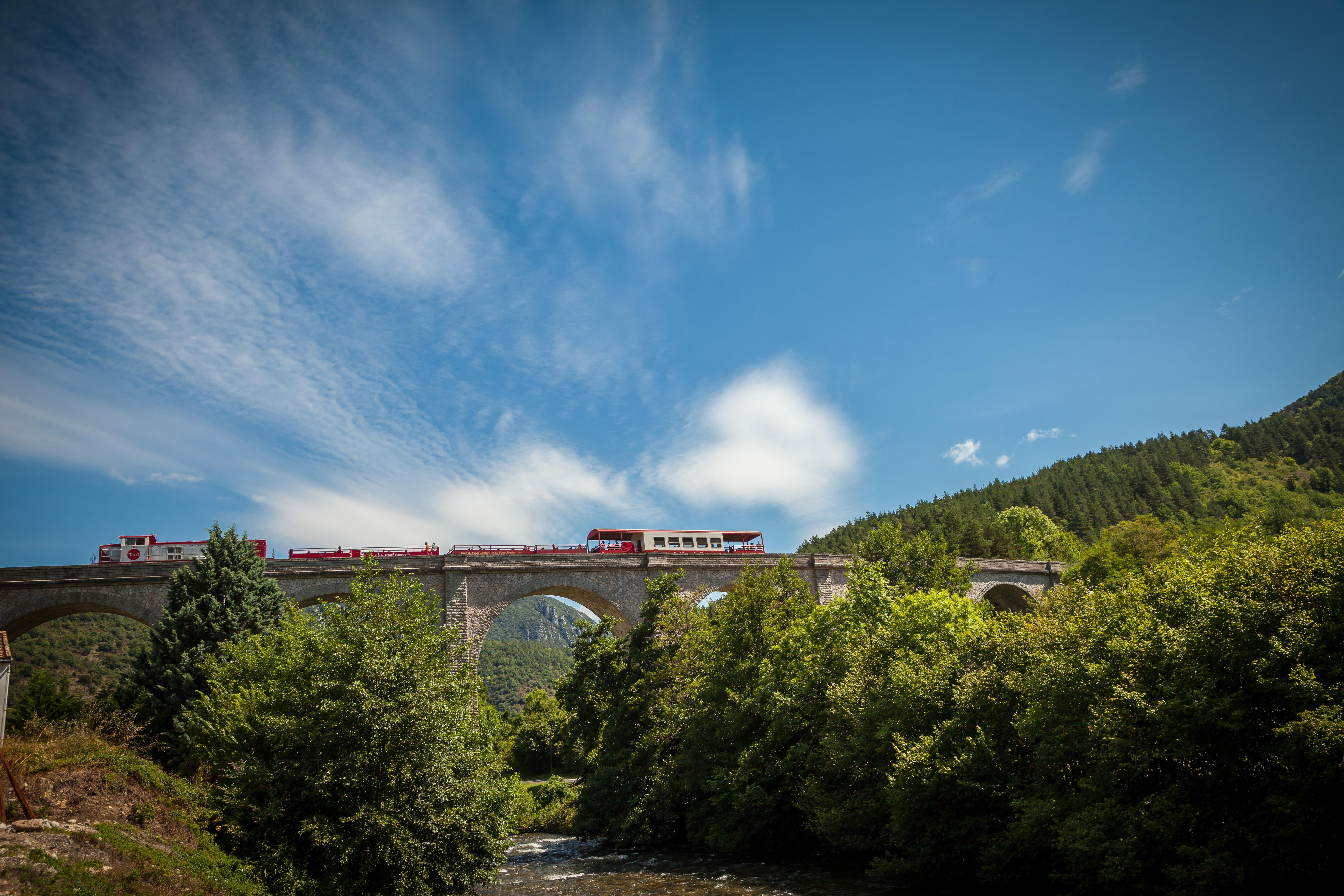 Train decouvert Viaduc Axat 2