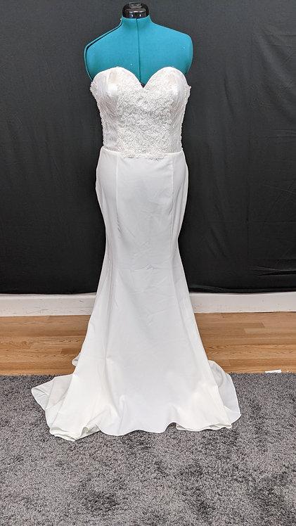 21557 Trumpet Hand Beaded Plus Size Wedding Dress