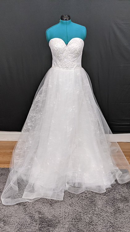 21541 A-Line Hand Beaded Plus Size Wedding Dress