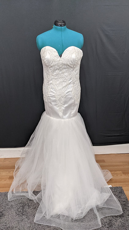 21566 Mermaid Hand Beaded Plus Size Wedding Dress