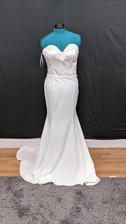 21573 Trumpet Hand Beaded Plus Size Wedding Dress