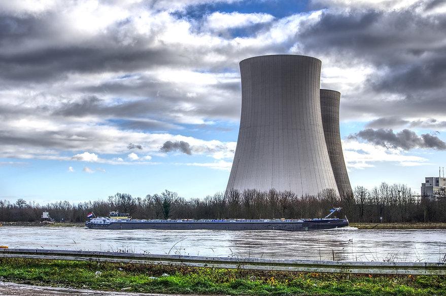nuclear-power-4021418_1920.jpg