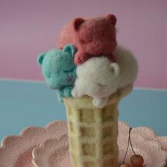 """Елена Артеменко """"Мороженое в вафельном стаканчике"""""""