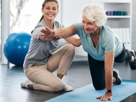 7 benefícios do Pilates para pessoas com Alzheimer