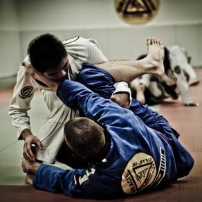 A coluna do lutador de jiu jitsu