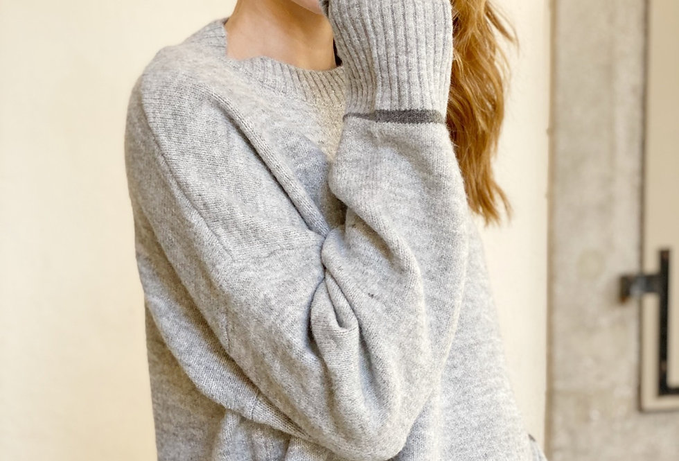One strip knit gray