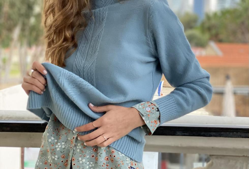 Pretty knit . Light blue