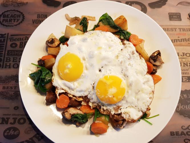 Kartoffel_Gemüse_Spiegelei.jpg