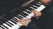 音樂小百科:彈琴一定要跟指法嗎?