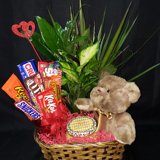 lg valentine basket - Copy (2).jpg