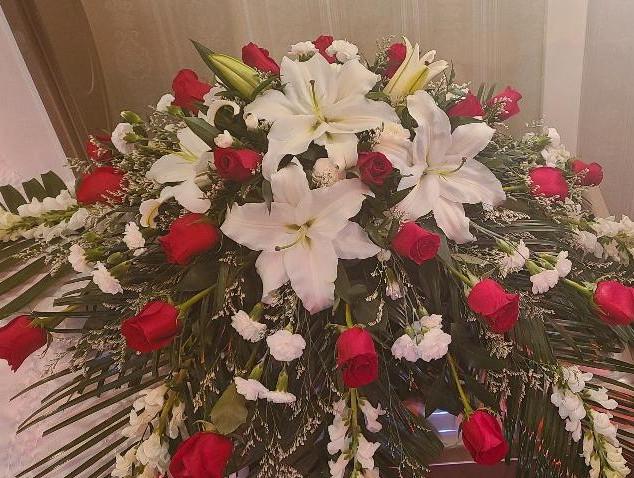 red roses & white (2).jpg