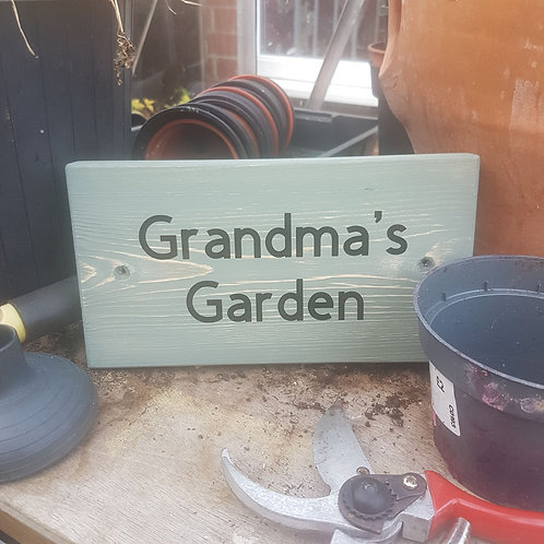 Wooden Grandma's Garden Sign. Different colours available.