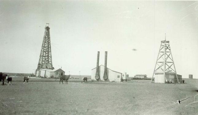001.2.004-oil-derricks1-e1600352162895.j