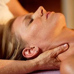 Wellness_Massage_1000x1000.jpg