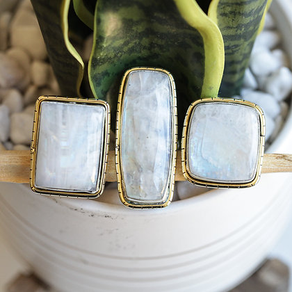 RAINBOW MOONSTONE LULE RINGS