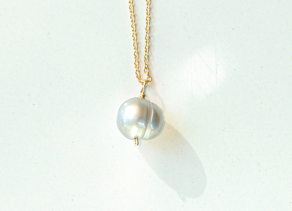 SILVER PEARL FLOATING NECKLACE