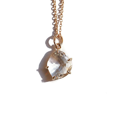 GOLD CLAW NECKLACE