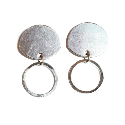 SILVER HAMMERED CIRCLE EARRINGS