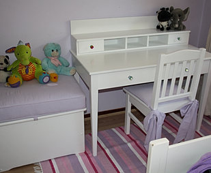 Upsi Daisy Creations Bedroom Furniture