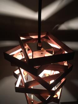空間に光と影の造形を・・・