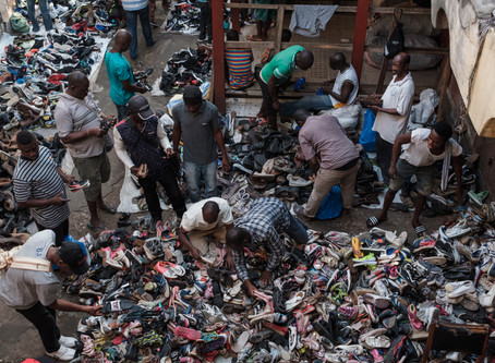 ik ging naar ghana om te zien wat er gebeurt met kleding die je doneert