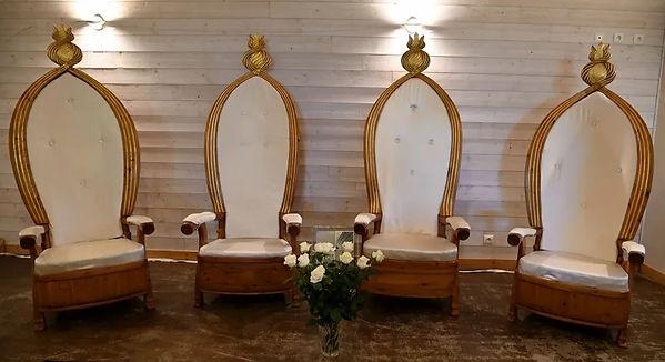 4 fauteuils.jpg