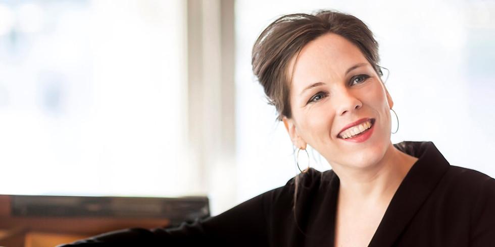 Daria van den Bercken (piano)