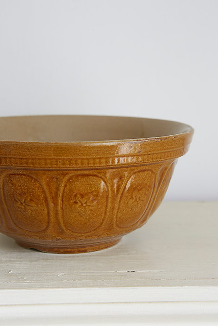 OK5236 - Four Pint Mixing Bowl