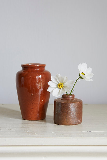 OK5257 - Two Brown Pots