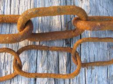 worn mooring chain.jpg