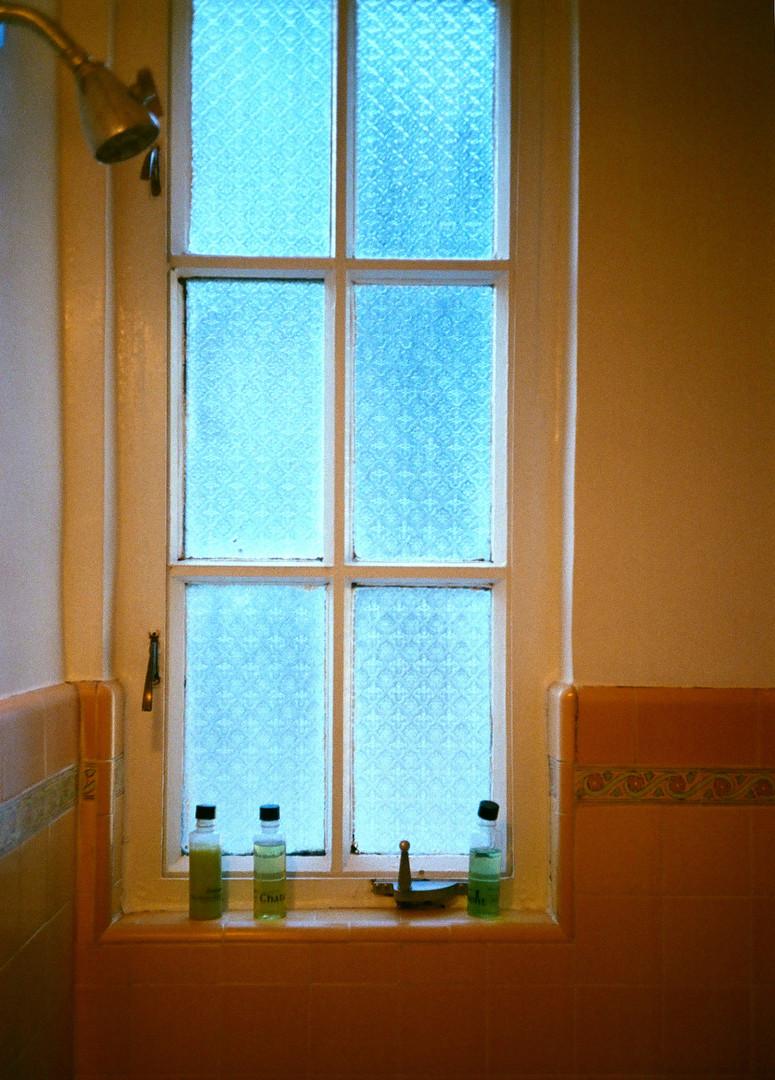 CHATEAU BATHROOM LIGHT_FALL 19.jpg