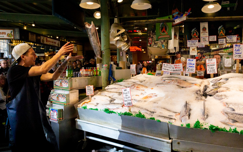 Pike Place Fish Toss.jpg
