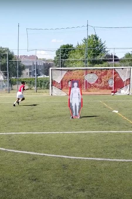But de soccer avec filet cible vue drone CogiFit
