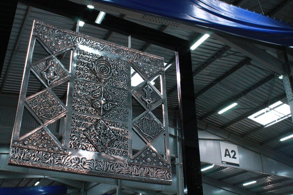 """Kerity Impression"" Extra-fine aluminium panel Aeronautical type Black Altuglas frame 39x39cm"