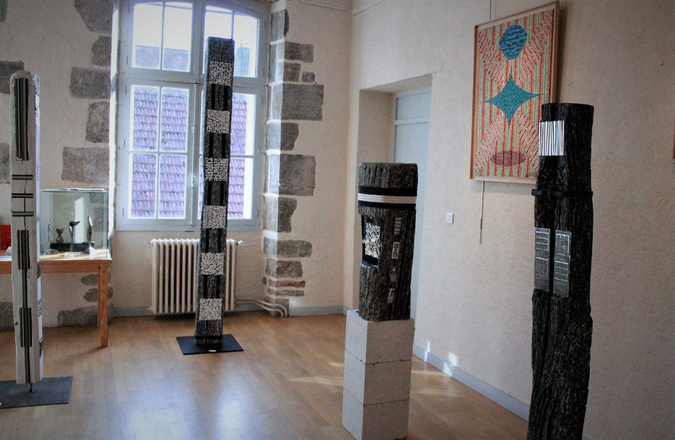Totem beams Arbois Exhibition Oudet Gallery 2017