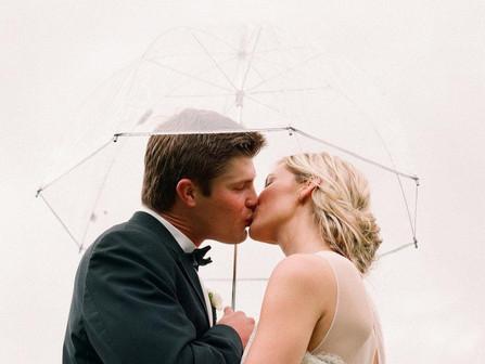La pluie s'invite à votre mariage : comment faire ?