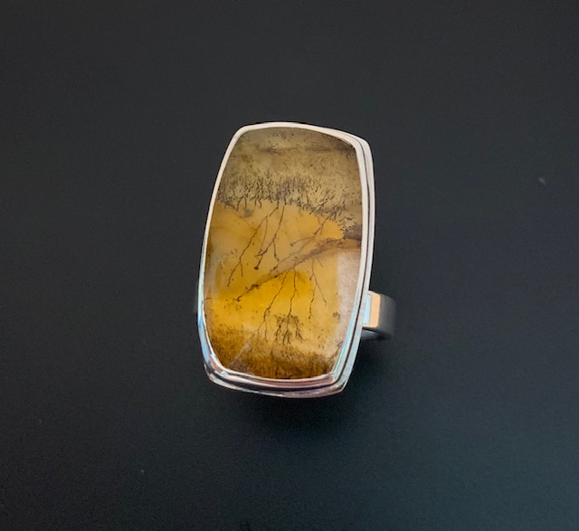 Gold tone dendritic agate ring